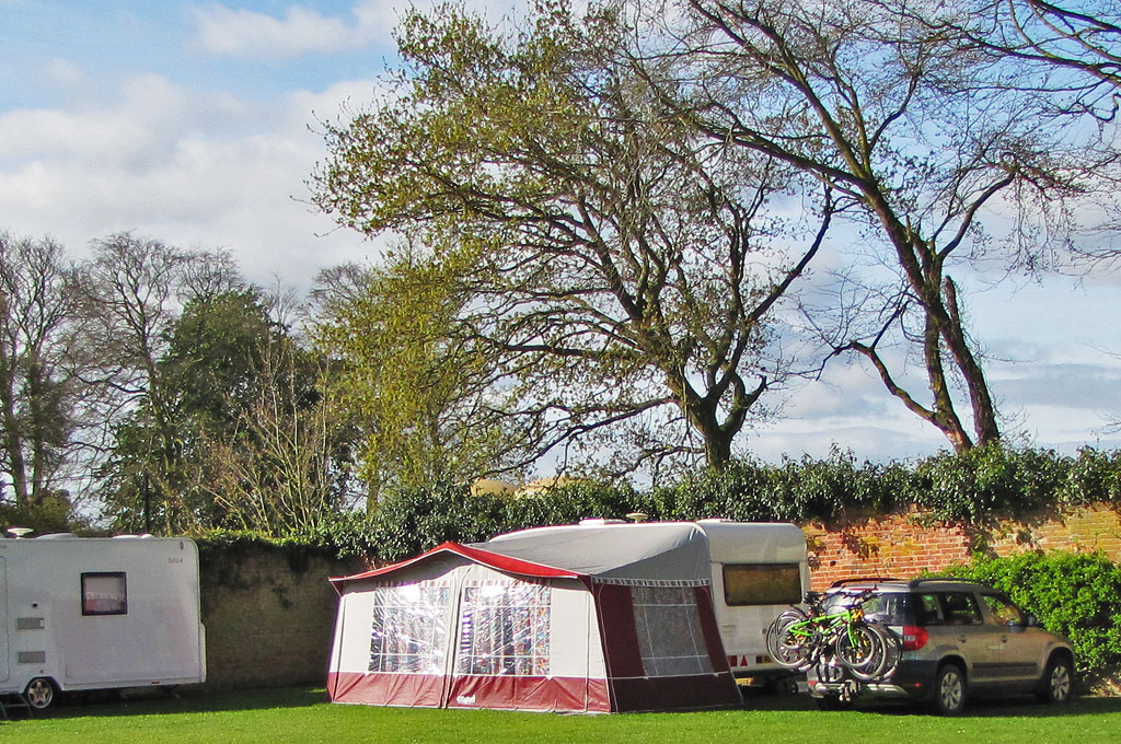 Garden Caravan Site - Barmer Hall Norfolk