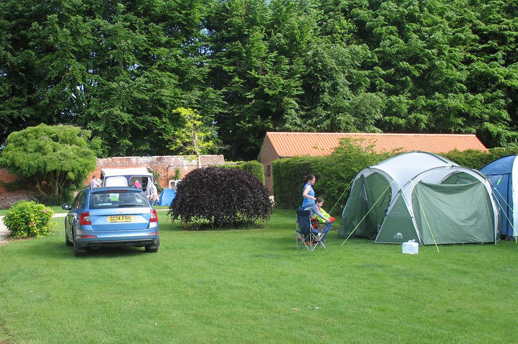 Garden Caravan Site - Norfolk UK